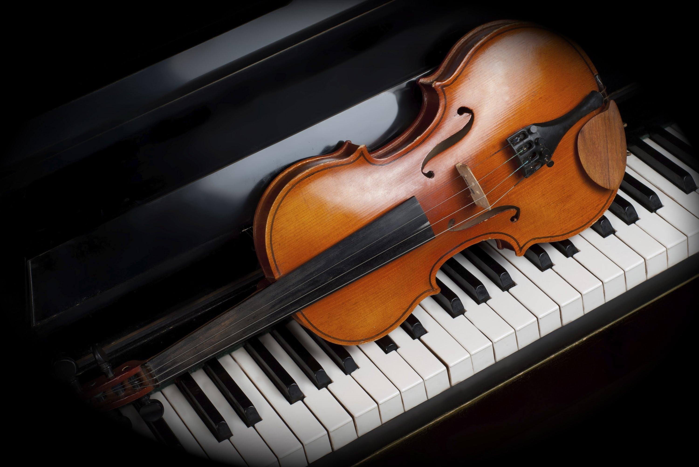 Концерт «Скрипка и фортепиано: Моцарт, Брамс, Шнитке, Равель»
