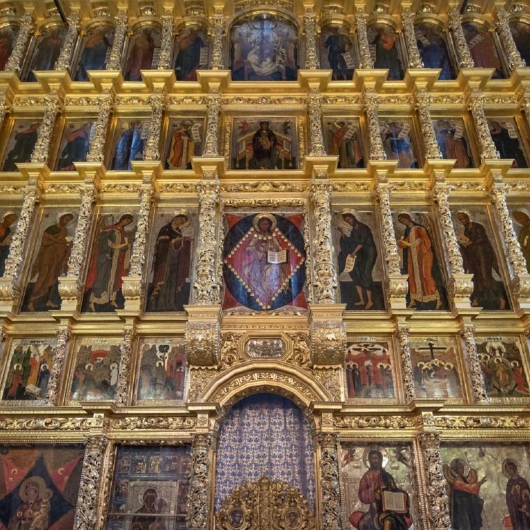 Архитектура русского иконостаса: От византийской алтарной преграды к иконостасу «флемской» резьбы